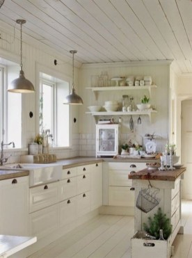 Stunning Country Farmhouse Design Ideas For Kitchen 17