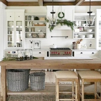 Stunning Country Farmhouse Design Ideas For Kitchen 45