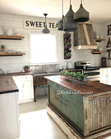 Stunning Country Farmhouse Design Ideas For Kitchen 46