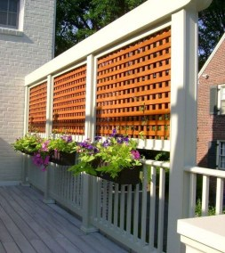 Charming Privacy Fence Ideas For Gardens 15