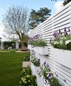 Cool Garden Fence Decoration Ideas To Try This Year 01