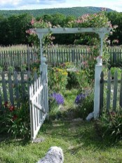 Cool Garden Fence Decoration Ideas To Try This Year 47