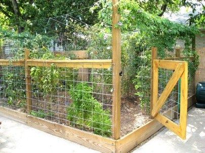 Cool Garden Fence Decoration Ideas To Try This Year 50