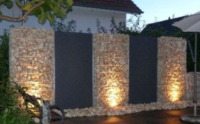 Cool Garden Fence Decoration Ideas To Try This Year 51