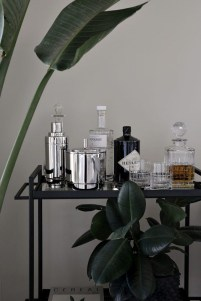Elegant Mini Bar Design Ideas That You Can Try On Home 05