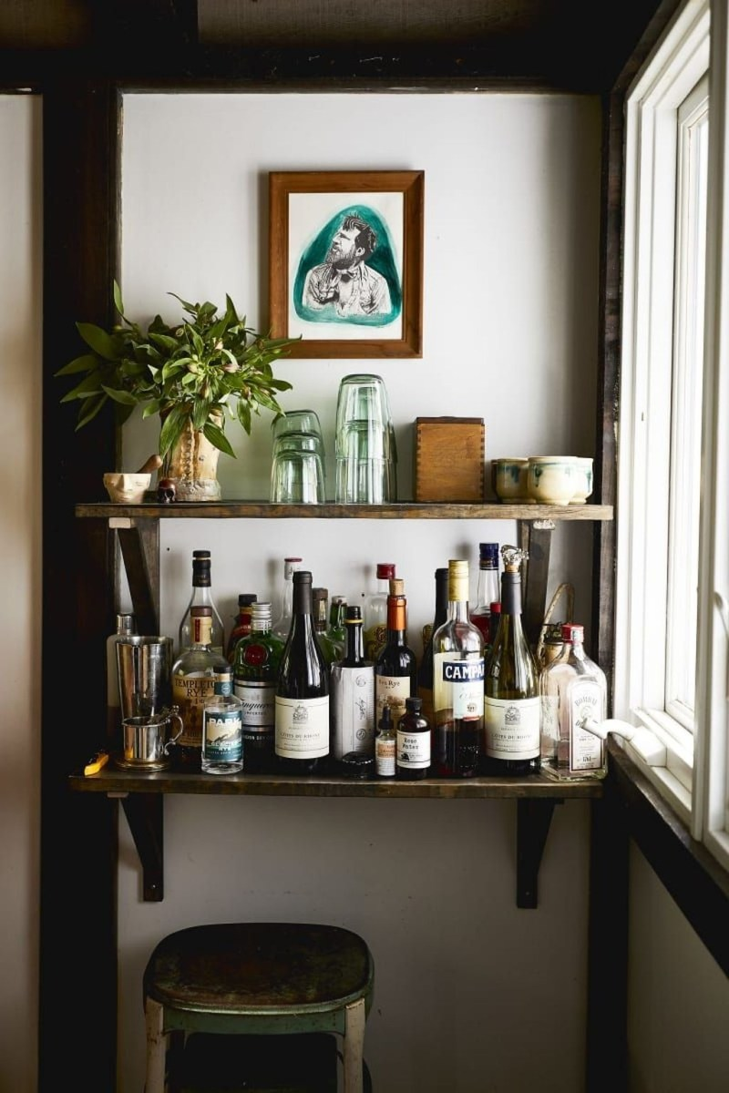 Elegant Mini Bar Design Ideas That You Can Try On Home 07