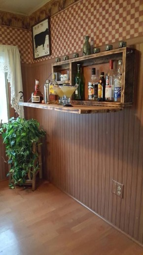 Elegant Mini Bar Design Ideas That You Can Try On Home 26