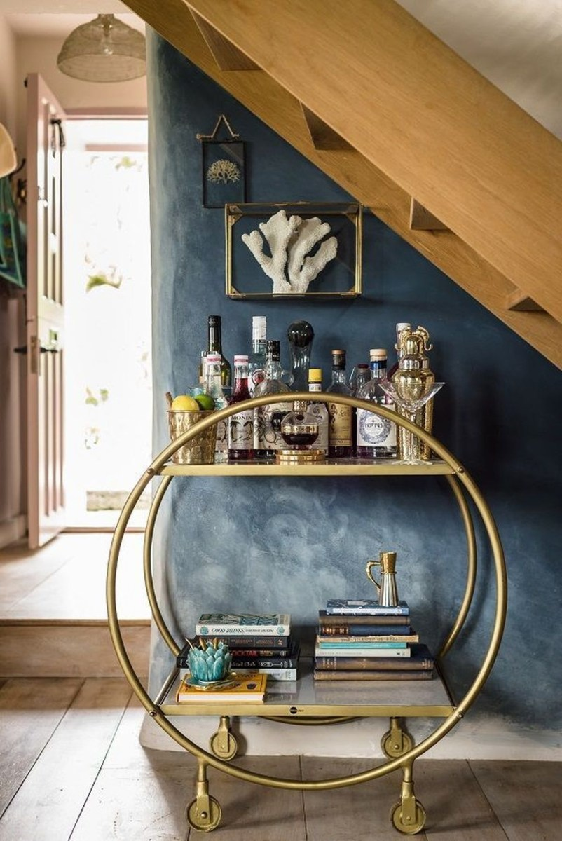 Elegant Mini Bar Design Ideas That You Can Try On Home 40