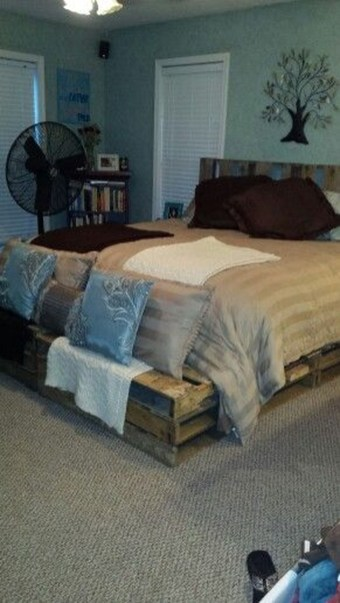 Fancy Diy Ideas To Make Bed Place From Pallet Project 21