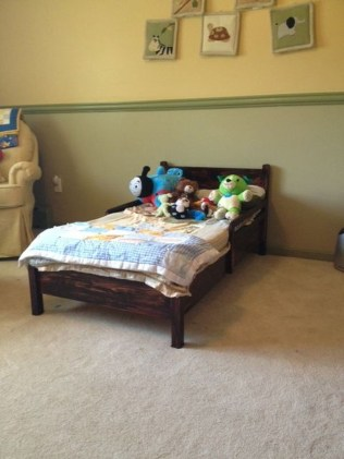 Fancy Diy Ideas To Make Bed Place From Pallet Project 37