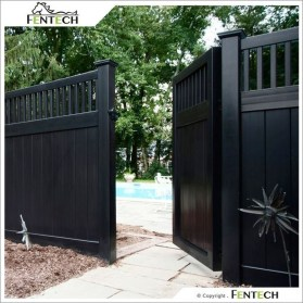Gorgeous Black Wooden Fence Design Ideas For Frontyards 13