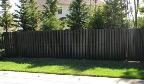 Gorgeous Black Wooden Fence Design Ideas For Frontyards 26