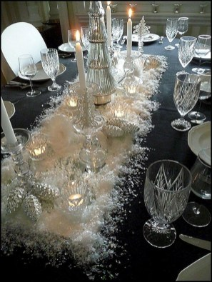 Hottest Christmas Table Decorating Ideas For You 16
