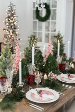 Hottest Christmas Table Decorating Ideas For You 50