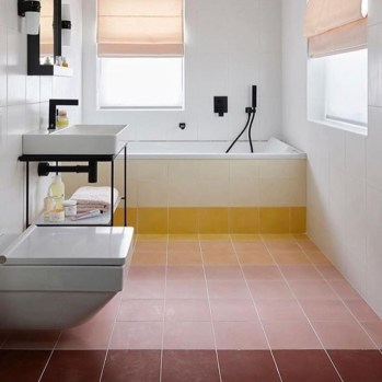 Incredible Bathroom Design Ideas For Summer 32