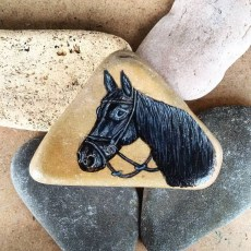 Inspiring Diy Painted Rocks Ideas With Animals Horse For Summer 44