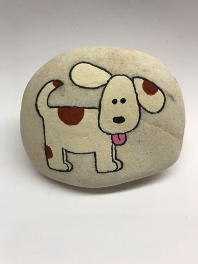 Magnificient Diy Painted Rocks Ideas With Animals Dogs For Summer 25