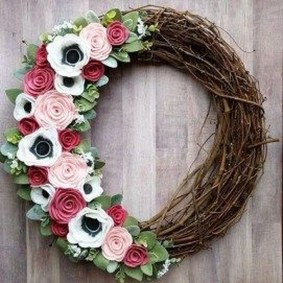 Pretty Summer Wreath Decor Ideas For Front Door 05