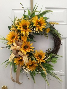Pretty Summer Wreath Decor Ideas For Front Door 17