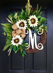 Pretty Summer Wreath Decor Ideas For Front Door 42