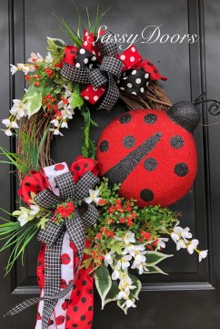 Pretty Summer Wreath Decor Ideas For Front Door 47