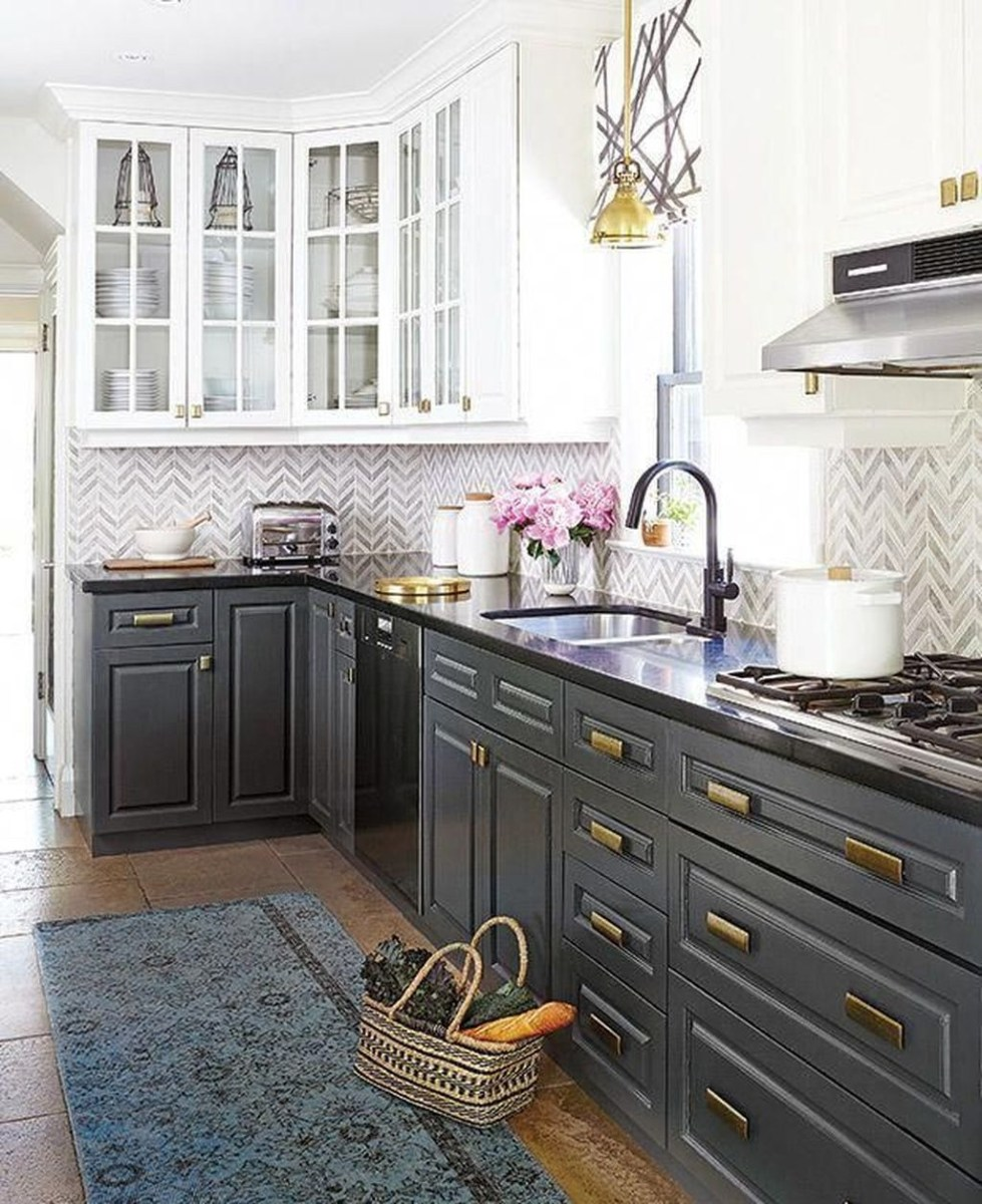 Unique Painted Kitchen Cabinets Design Ideas With Two Tone 45