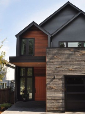 Astonishing Exterior Paint Colors Ideas For House With Brown Roof 10