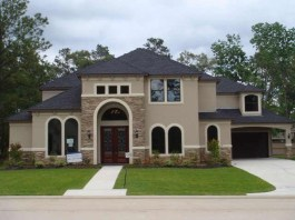Astonishing Exterior Paint Colors Ideas For House With Brown Roof 45