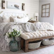 Classy Farmhouse Bedroom Ideas To Try Right Now 01