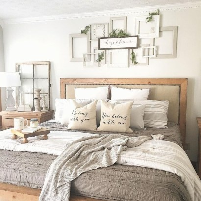 Classy Farmhouse Bedroom Ideas To Try Right Now 16