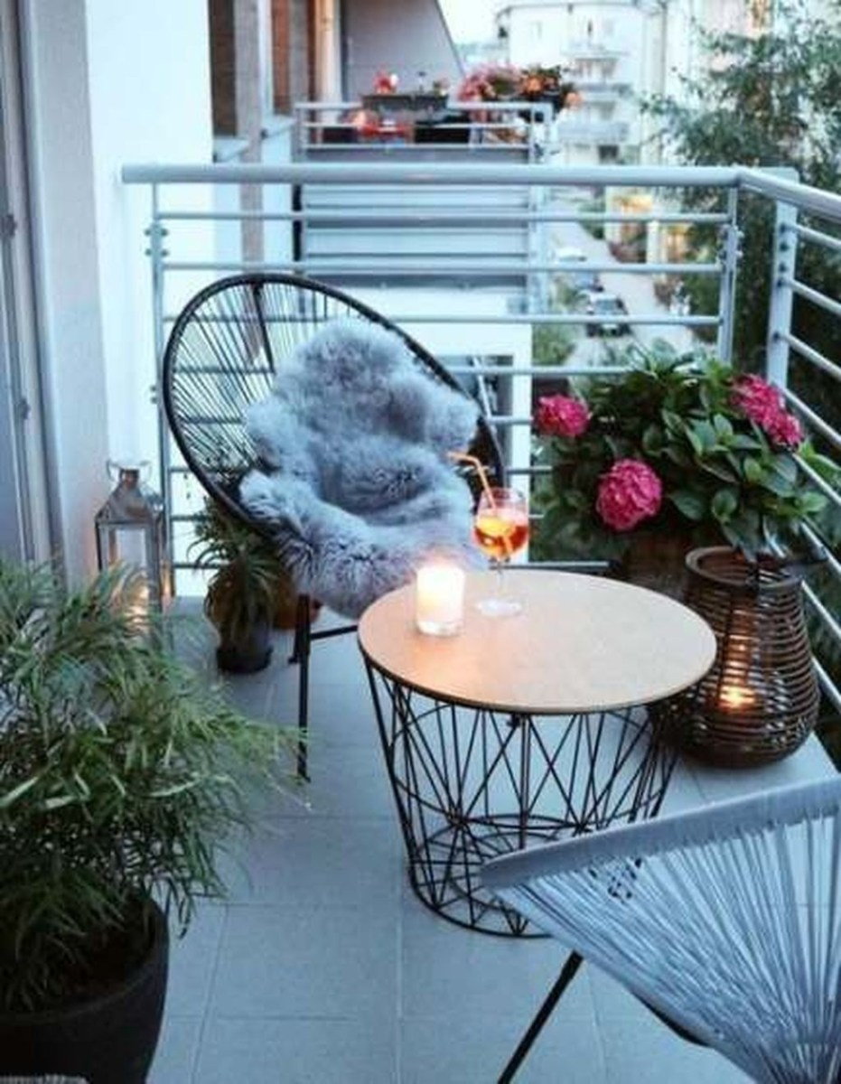 Cool Apartment Balcony Design Ideas For Small Space 12