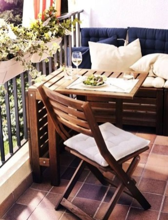 Cool Apartment Balcony Design Ideas For Small Space 17