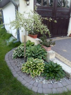 Impressive Small Front Yard Landscaping Ideas To Try 40