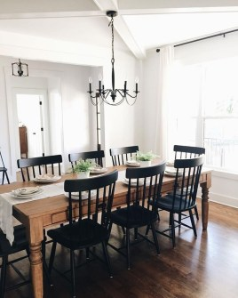 Relaxing Farmhouse Dining Room Design Ideas To Try 34