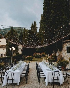 Splendid Wedding Decorations Ideas On A Budget To Try 04