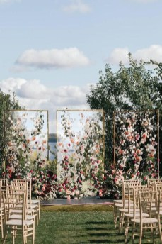 Splendid Wedding Decorations Ideas On A Budget To Try 05