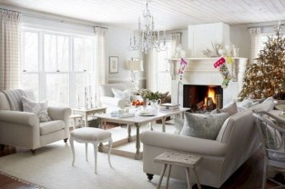 Superb Warm Family Room Design Ideas For This Winter 18