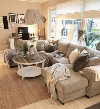 Superb Warm Family Room Design Ideas For This Winter 33