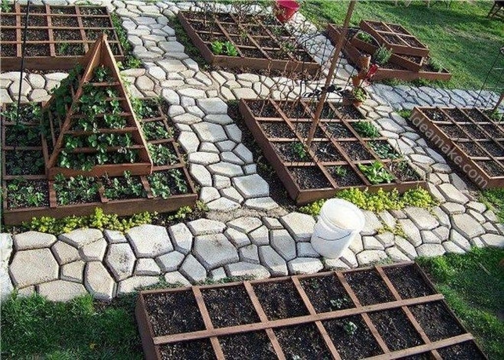 Unordinary Diy Pavement Molds Ideas For Garden Pathway To Try 02