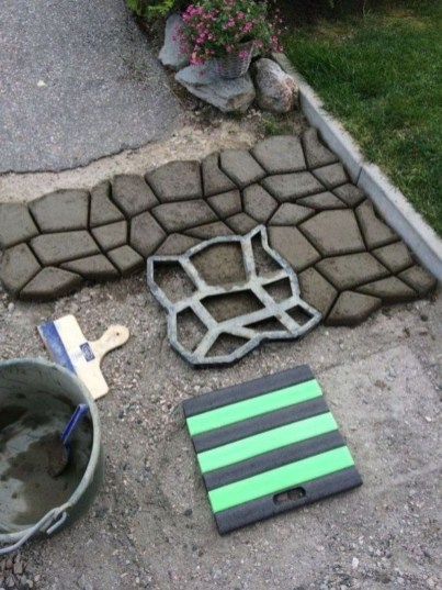 Unordinary Diy Pavement Molds Ideas For Garden Pathway To Try 13