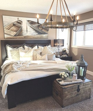 Enchanting Lake House Bedroom Design And Decor Ideas 08