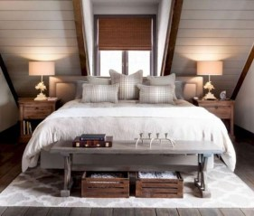 Enchanting Lake House Bedroom Design And Decor Ideas 33