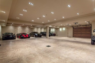 Graceful Car Garage Design Ideas For Your Home 05