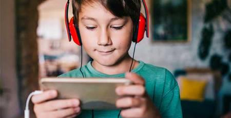 bambino cuffie smartphone