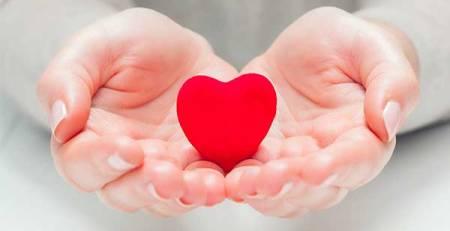 mani cuore salute