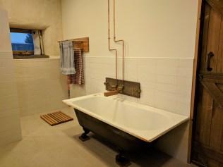 Lovely cast iron bath works a treat :)