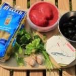 キャンプ料理〜オイルサーディンのトマトソースパスタ〜