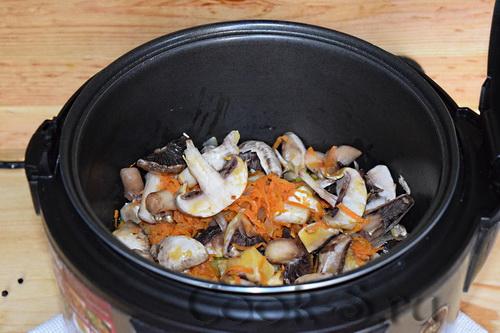 Грибной суп-пюре из шампиньонов в мультиварке - Пошаговый ...