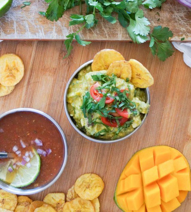 Whole30 Mango Guacamole