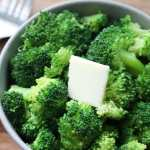 """Pinterest graphic with the text, """"How to Microwave broccoli."""""""